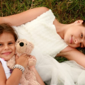 sisters-love-dress-white-hug-happiness