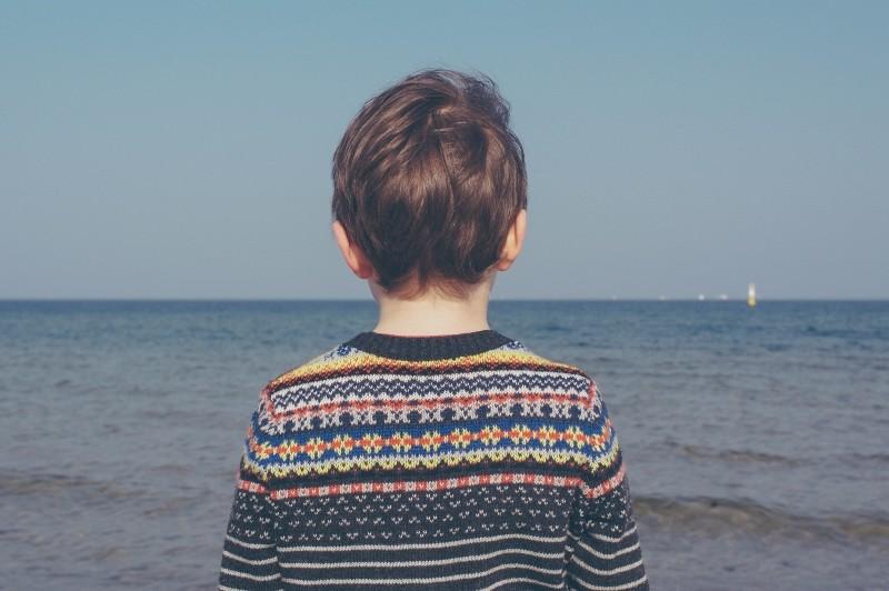 child-boye-ocean-water